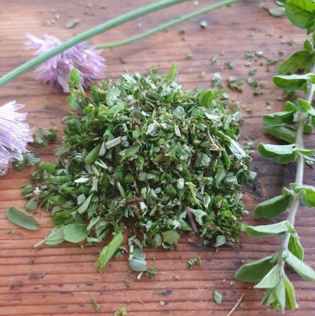 erbe aromatiche fresche per polpette (2)