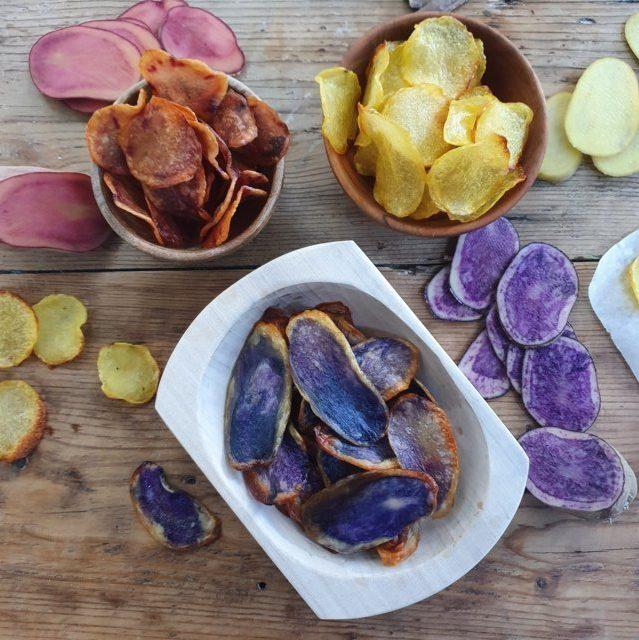chips di patate colorate